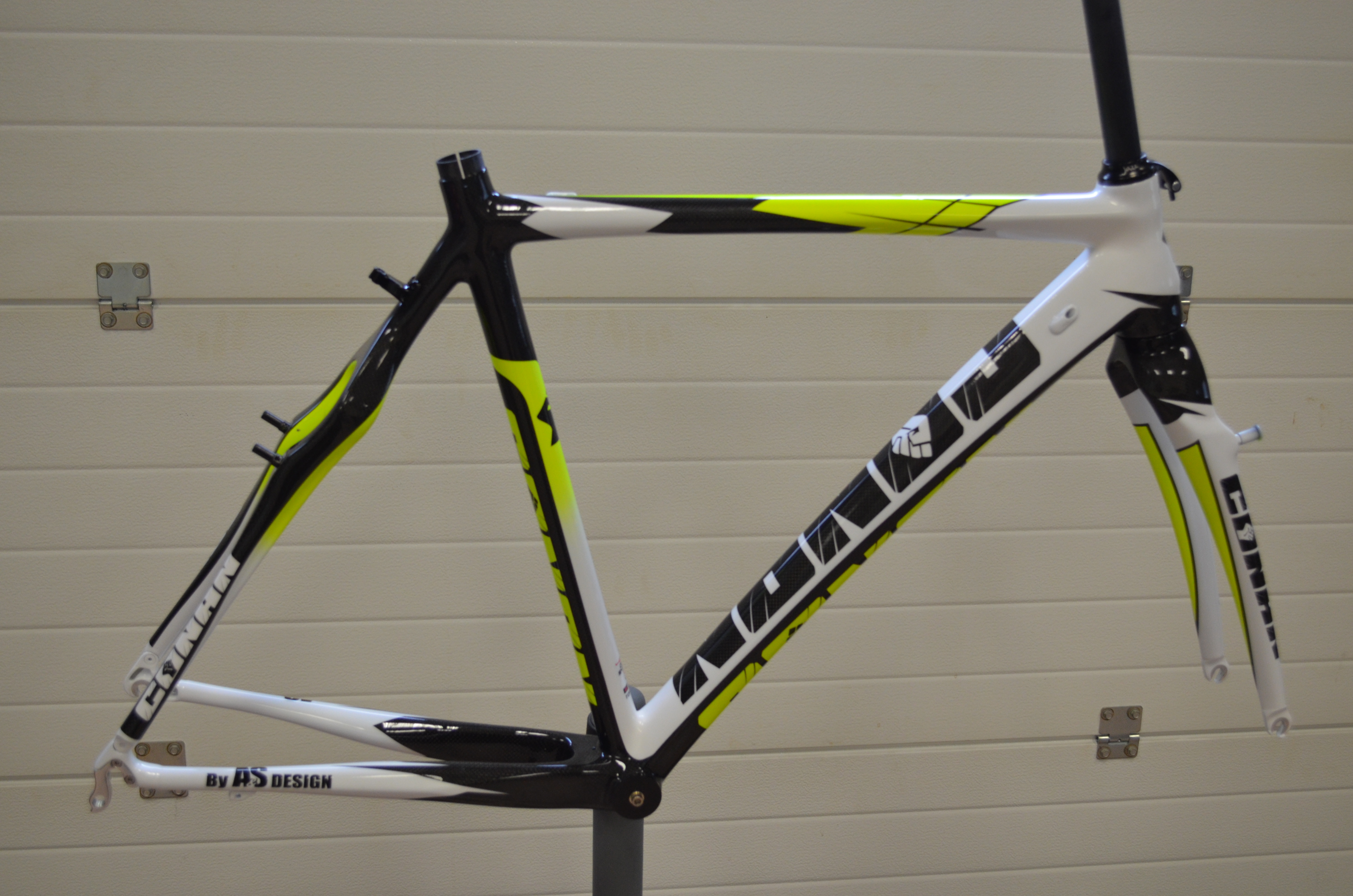Carbon Crossframe